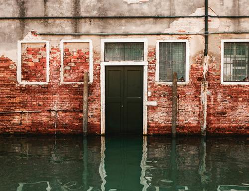 ฝนนี้ สร้างบ้านอย่างไร ห่างไกลปัญหาน้ำท่วม!