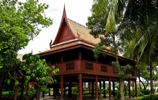 ไม้พื้นบ้านทรงไทย